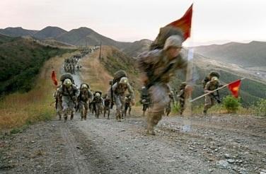 Crucible_Reaper_hike_-_Marine_platoon_formations_b_628x471_628x411